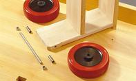 Roller bauen: Räder aufstecken
