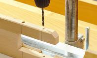Roller bauen: Achslöcher bohren