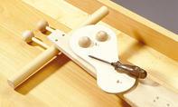 Roller bauen: Kugel einspannen