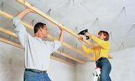 Schalldämmung: Deckenabhänger verschrauben