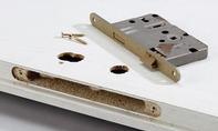 Schreibtisch: Drückergarnitus entfernen