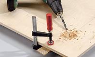Schreibtisch: Ecken anbohren