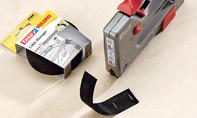 Schreibtisch: Klettband befestigen