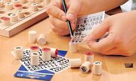 Sudoku Brettspiel: Zahlen aufreiben