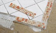 Mosaikfliesen zuschneiden