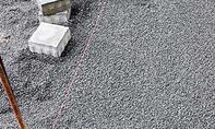 Pflastern: Erste Steinreihe legen