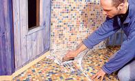 Mosaikfliesen verfugen