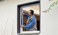 Fensterrahmen ausrichten