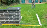 Gartengrill: Terrasse pflastern