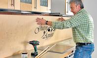 Holzplatte montieren