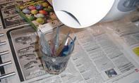 Ostereier-Farbe anrühren
