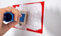Wandgestaltung mit Dekoschablonen