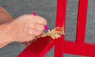 Schaukelstuhl lackieren