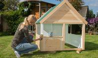 Spielhaus streichen