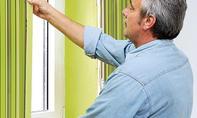 Fenster-Profile festkleben