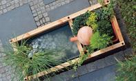 Wasserspiel mit Springbrunnen