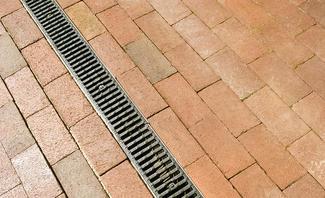 Relativ Einfahrt: Entwässerung-Pflicht | selbst.de AZ68