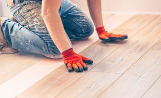 Holzboden verlegen: So geht's richtig