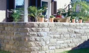 Natursteinmauer selbst bauen