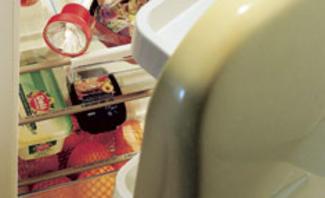 Spar-Tipp: Kühlschrank auf Dichtheit prüfen