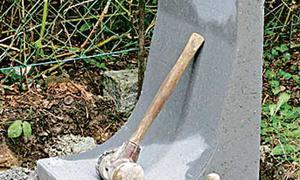Grundstücksgrenze befestigen