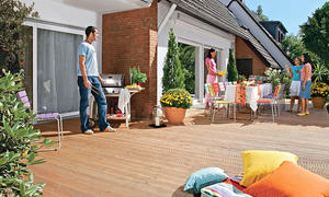 terrasse aus douglasien holzdielen. Black Bedroom Furniture Sets. Home Design Ideas