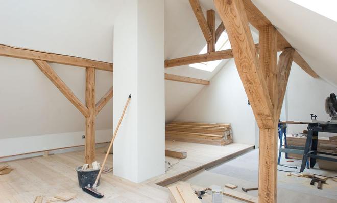Dachgeschoss ausbauen: Kosten & Fördergelder