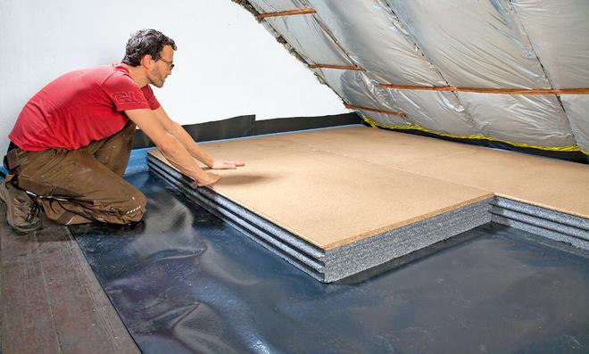 Zwischensparrendämmung vs. Dachboden dämmen