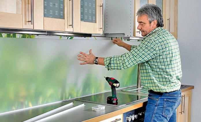 Alternative zu fliesen in der küche  Fliesenspiegel ohne Fliesen | selbst.de