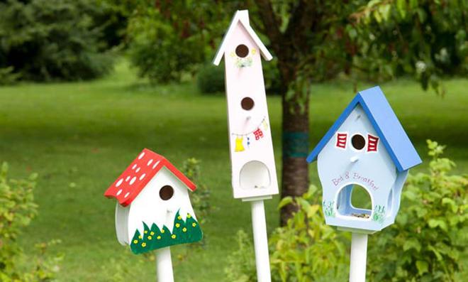 Nistplätze im Garten schaffen