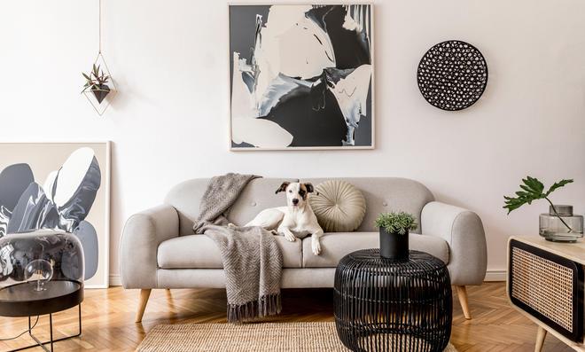 In einer modernen Wohnung darf eine Kommode mit Wiener Geflecht (wie rechts im Bild) nicht fehlen.