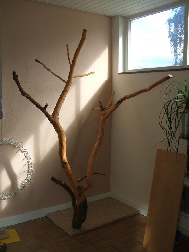 kratzbaum selber bauen ideen kratzbaum diy projekt die wohlfhloase fr ihre katze u kratzbaum. Black Bedroom Furniture Sets. Home Design Ideas