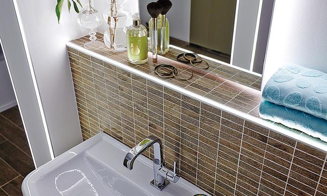 Bad-Spiegelschrank LUNA - mit LED-Lichtleiste - 100 cm breit - Hochglanz  Weiß