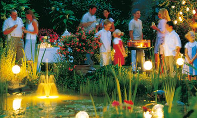 Außenbeleuchtung: Gartenlampen und Außensteckdosen