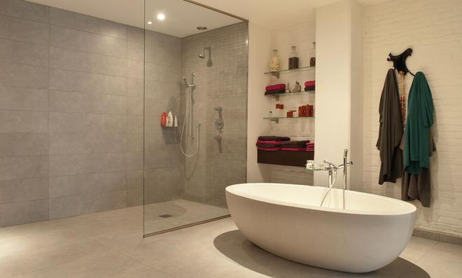Der Trend Im Badezimmer Geht Immer Mehr Zu Einer Offenen Duschlandschaft:  So Genannte Walk In Duschen Sind Dabei Eine Besondere Art Der Begehbaren  Dusche.