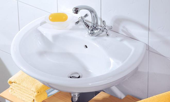 Bad-Armatur: Waschbecken montieren