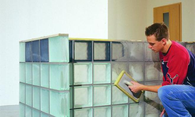 Glasbausteine verlegen