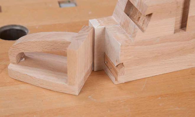 3D Puzzle: Griff in Gratleiste drücken
