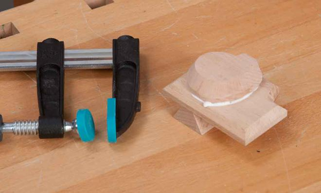 3D Puzzle: Seilzugstarter leimen