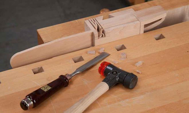 3D Puzzle: mit Beitel ausstemmen