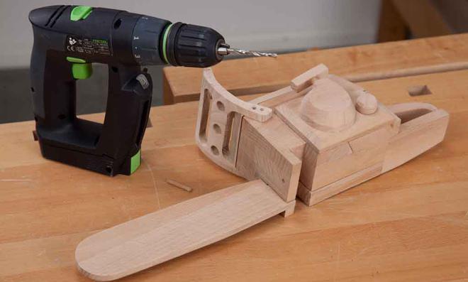 3D Puzzle: Löcher für die Rundstangen bohren