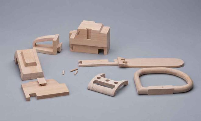 3D Puzzle: Sägeschiene herausnehmen