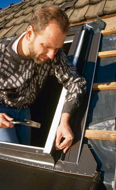 Fensterrahmen vernageln