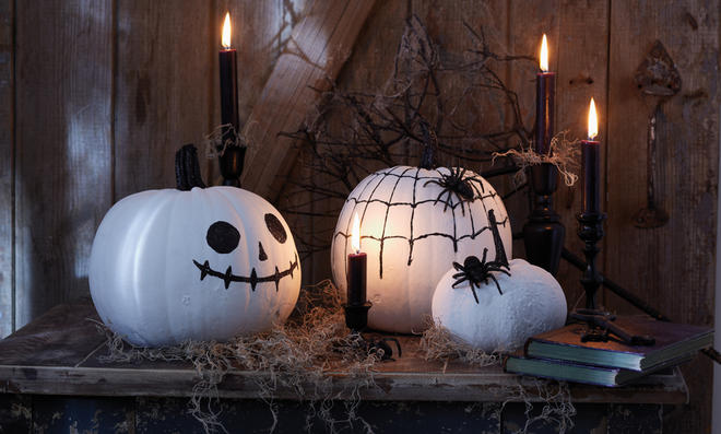 Halloween: Gruselkürbisse basteln