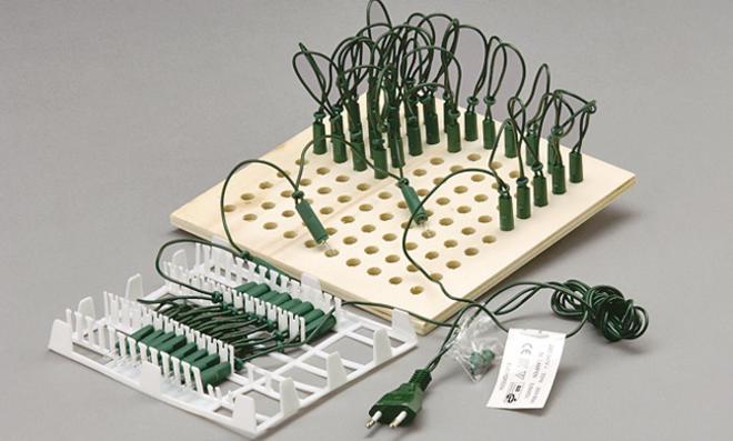Weihnachts-Lichterkette montieren