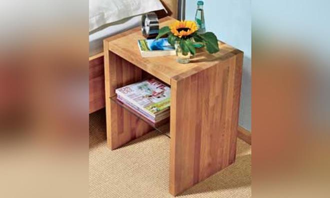 Nachttisch selber bauen holzstamm for Nachttisch selber bauen