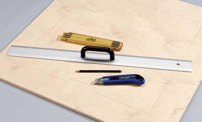 Schreibtisch: Konturen aufzeichnen