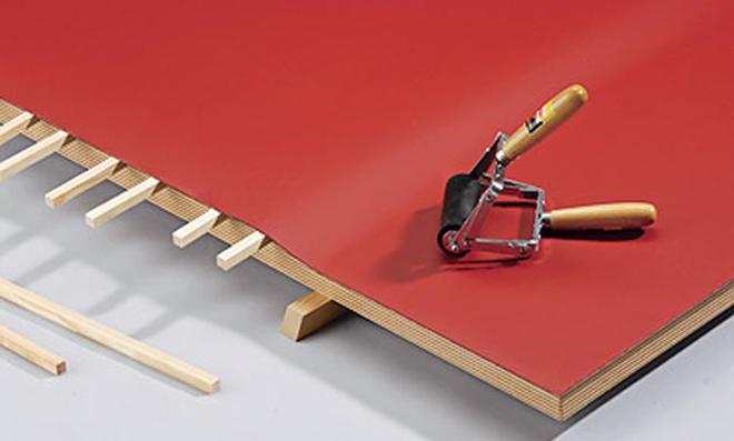 Schreibtisch: Leisten