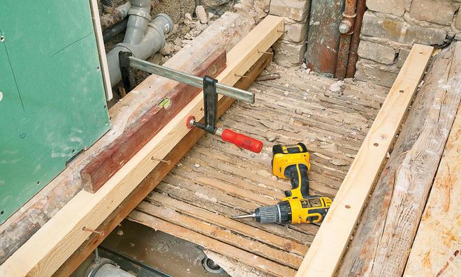 Fußboden Bad Ausgleichen ~ Holzbalkendecke ausgleichen selbst.de