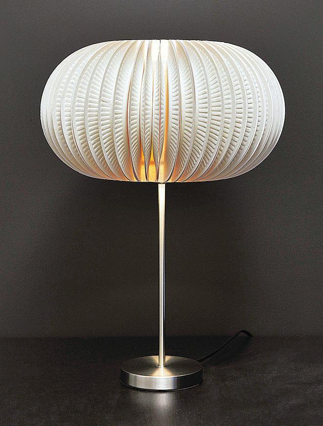 lampe aus papier basteln beautiful hangelampe selber machen lampen anleitung diy tipp papier. Black Bedroom Furniture Sets. Home Design Ideas